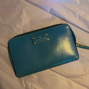 Kate Spade travel wallet in Blue